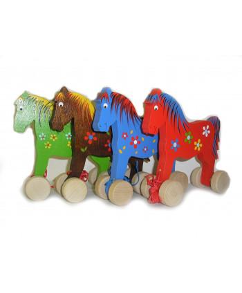 Drevený farebný koník